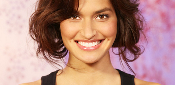 1 Weird Way to Whiten Your Teeth