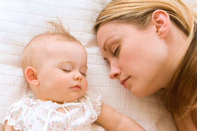 sleeping-with-baby-002